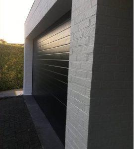 Gevel huis en poort professioneel laten schilderen Hasselt Limburg na