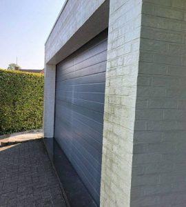 Gevel huis en poort professioneel laten schilderen Hasselt Limburg voor